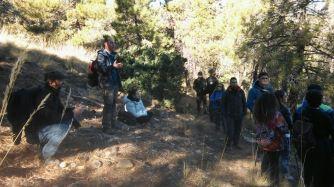 Cesar explicando el decaimiento forestal